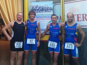 Gli atleti dell' Imola Triathlon che hanno partecipato ai campionati italiani di triathlon sprint a Riccione (Musconi, Cavina, Gaddoni, Santandrea)