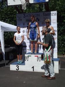 Sara Pirazzoli e Claudia Vacchi, 1° e 2° posto al triathlon promozionale di Faenza