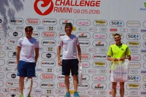 Luca Cavina vince la categoria S2 al triathlon sprint di Rimini