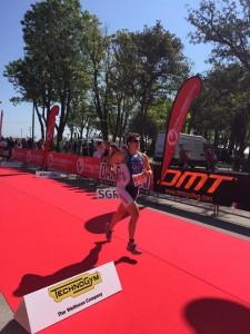 Giorgia D'Angeli all'arrivo del Triathlon Sprint di Rimini