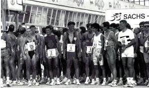 La partenza del duathlon del 1993 (tratto dalla rivista Triathlon News del marzo 1994) Altri tempi, stessa adrenalina!